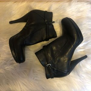 NINE WEST SEXY BOOTIES